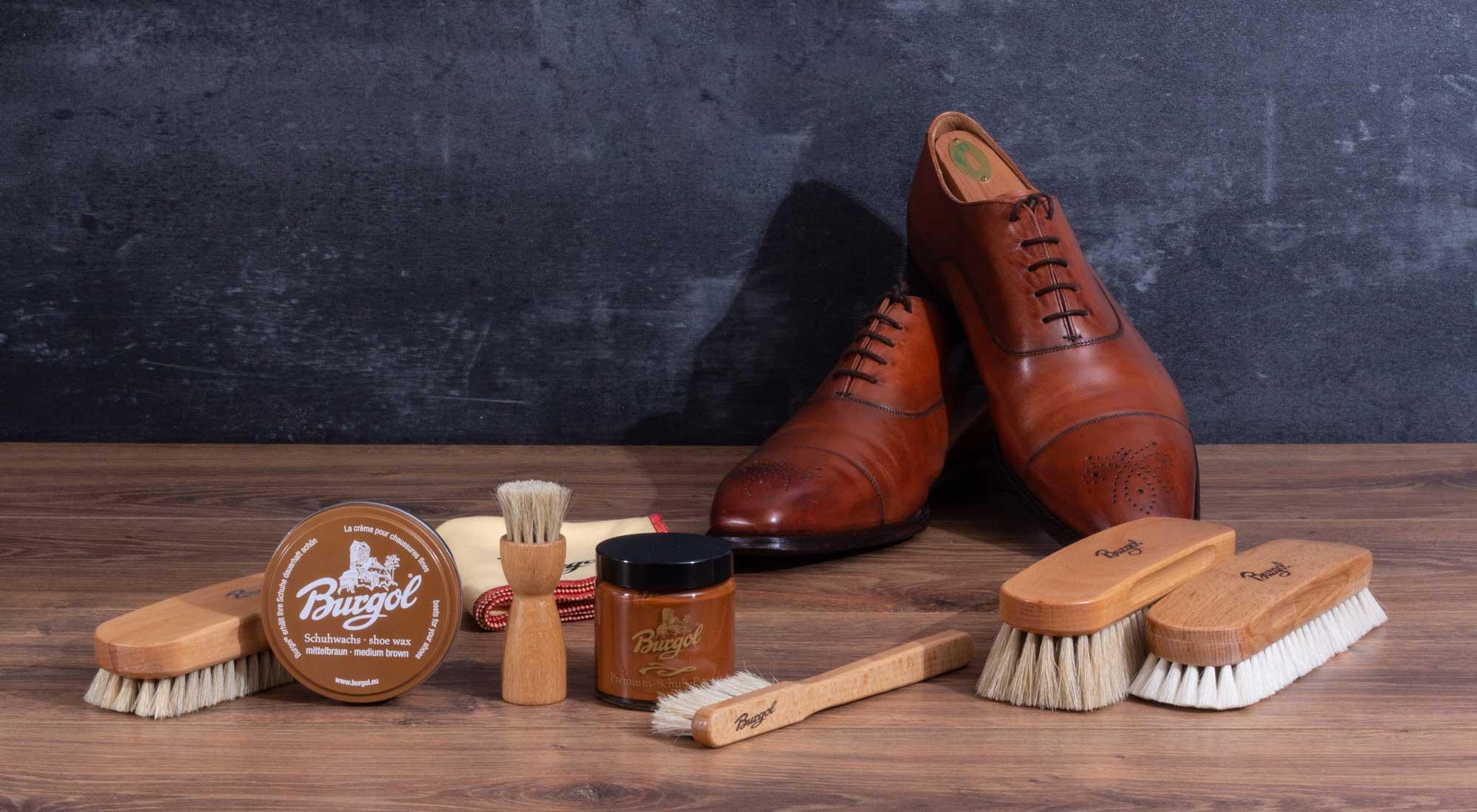 Shoecare for smooth leather shoes